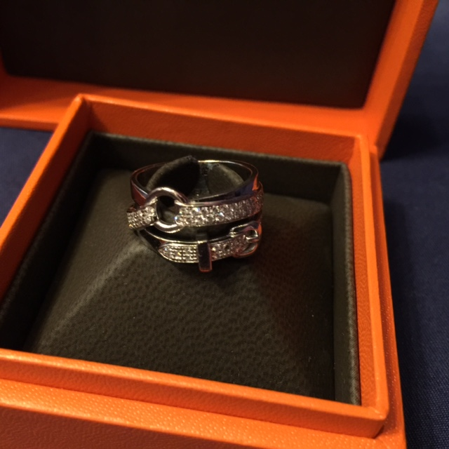 BAGUE OR BLANC ET DIAMANTS HERMES